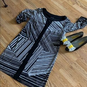 Enfouis black and white abstract dress